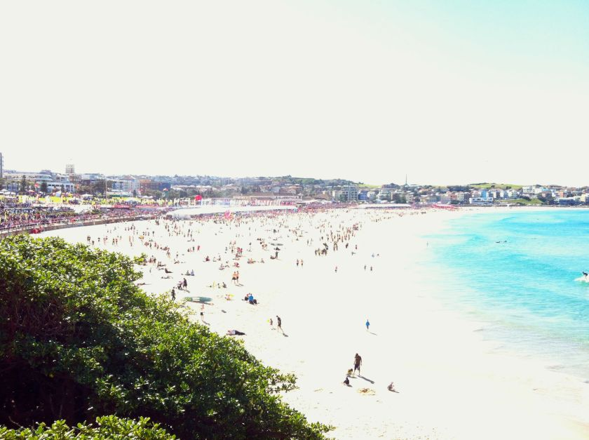 Bondi Beach at the finish - 100k people